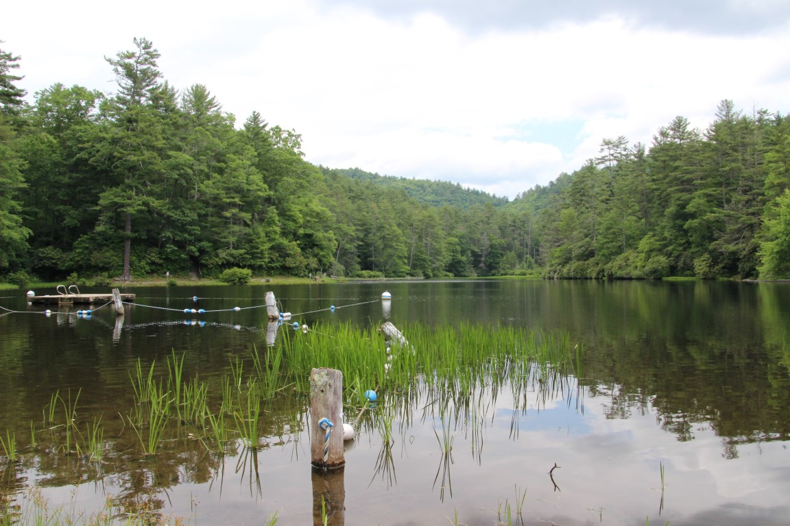 cliffside-lake-2