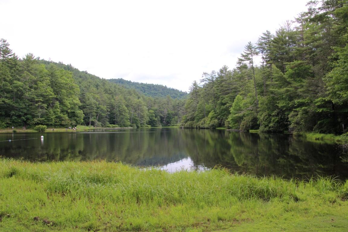 cliffside-lake-recreation